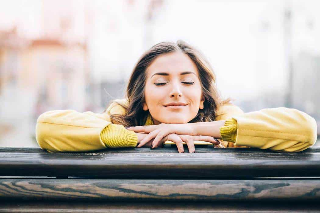 Daydreaming vs Night Dreaming: How to Daydreaming Properly & 8 Tips on Strengthening Dream Recall